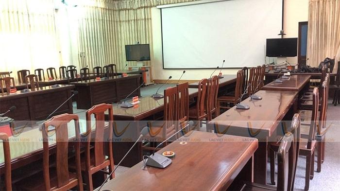 Hệ thống gồm 29 chiếc micro đã lắp đặt xong, bàn giao và hướng dẫn cụ thể