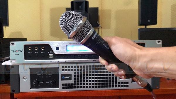 Cách chỉnh micro hát nhẹ dựa vào chính thiết bị