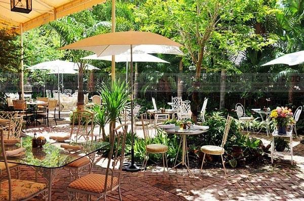 Dàn âm thanh cho quán cafe sân vườn thường có chất âm thanh nhẹ nhàng, thư giãn