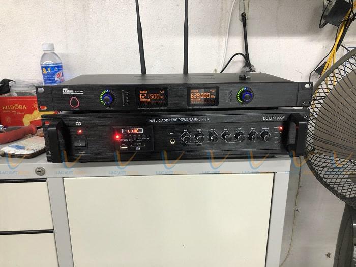 Hệ thống thiết bị điều khiển được đặt ở phòng điều hành