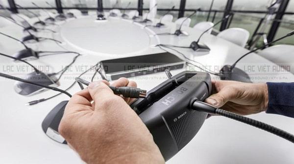 Cấu hình thiết bị của giải pháp âm thanh hội nghị Bosch CCS