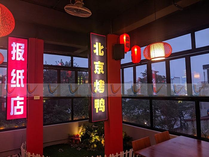 Không gian rất HongKong, mang lại trải nghiệm thú vị cho khách hàng
