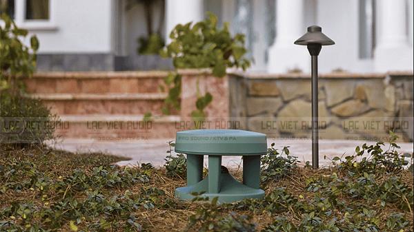 Loa giả đá cho âm thanh quán cafe sân vườn