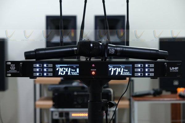 Micro không dây KING EW 500 sử dụng cho các hội thảo không phát biểu
