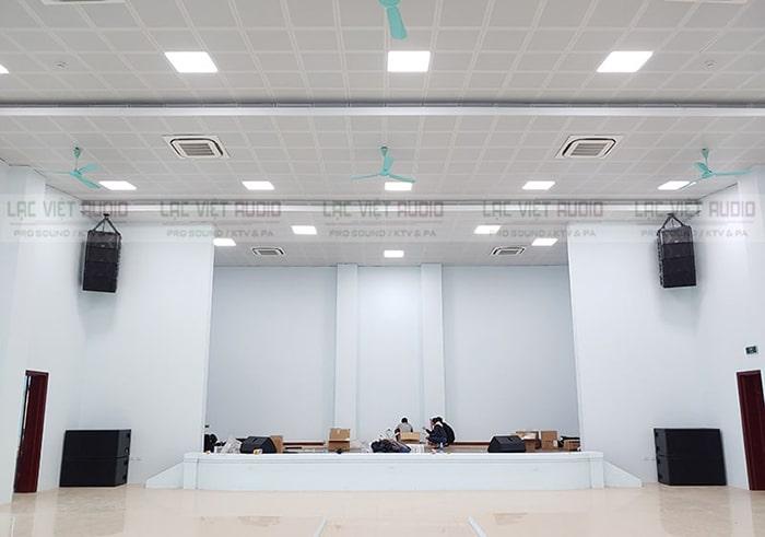 Không gian hội trường mới xây dựng rộng rãi, khang trang