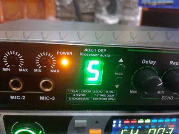 Vang cơ TD Q800 tích hợp 3 cổng mic phía trước
