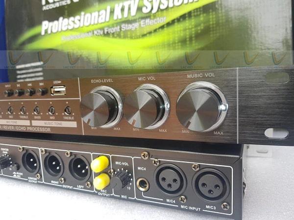 Hệ thống nút điều chỉnh phía trước vang FX10 bố trí khoa học
