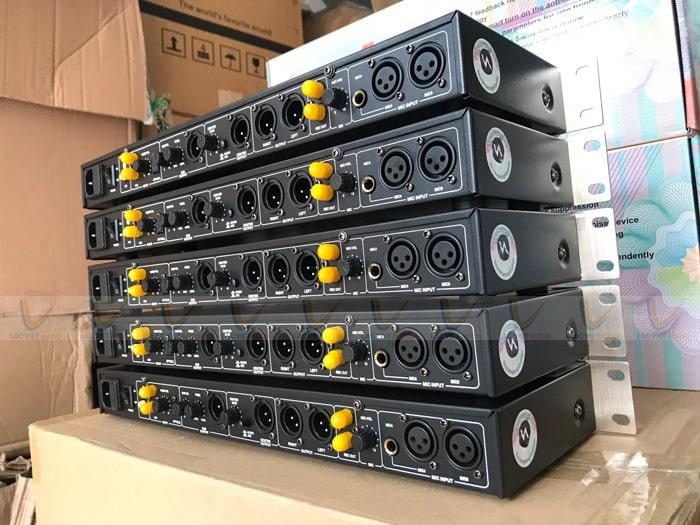 Vang cơ NEX FX9 Limited hỗ trợ nhiều nguồn nhạc đầu vào