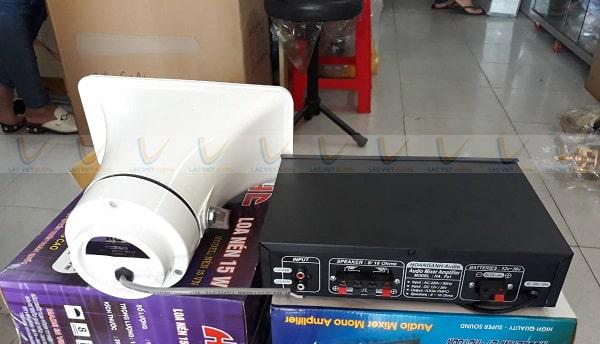 Sử dụng loa nén phát thanh với thiết bị khuếch đại có công suất phù hợp