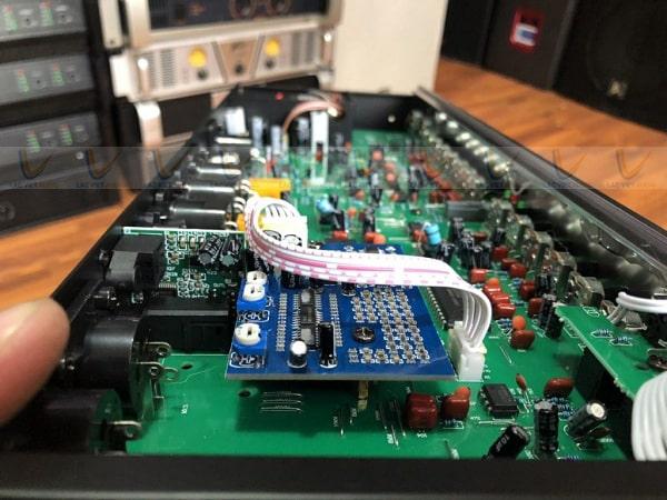 Vang cơ có cổng quang optical trang bị mạch xử lý âm thanh cao cấp