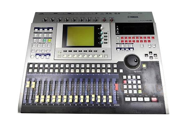 Mixer Yamaha AW 4416