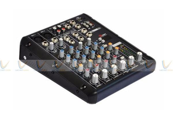 Mixer Yamaha SMR6