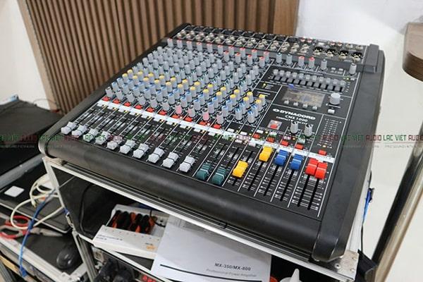 Giá thành của mixer hàng bãi thường rẻ hơn rất nhiều so với hàng mới