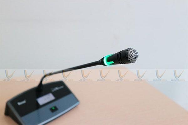 Micro hội thảo không dây gọn nhẹ và tiện lợi hơn khi sử dụng