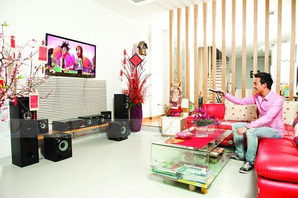 Kết nối đầu thu karaoke với tivi nhằm làm tăng trải nghiệm sử dụng