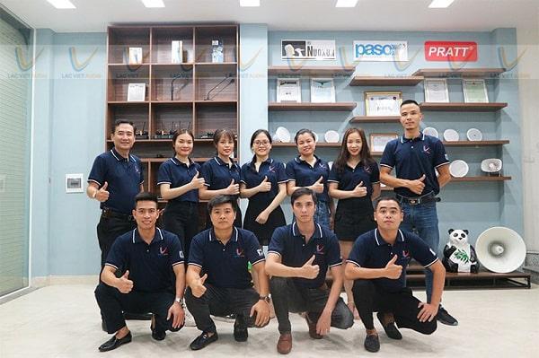Đội ngũ nhân sự luôn tận tâm vì khách hàng của Lạc Việt Audio